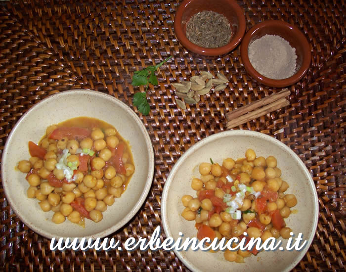 Chickpeas with amchoor and coriander