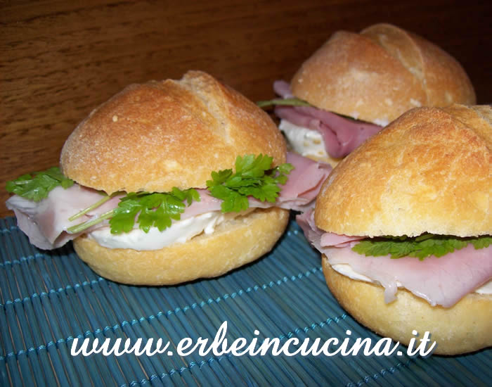 Roast ham sandwiches with chervil