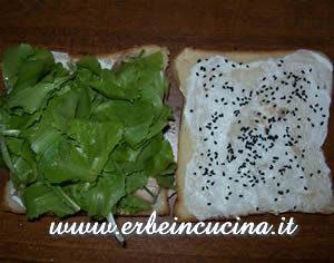 Sandwich 3: lettuce and nigella