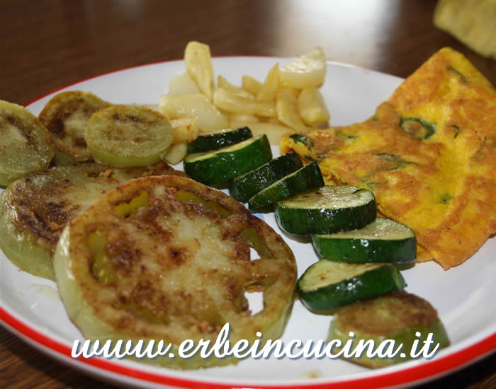 Herbs omelette with fried green tomatoes