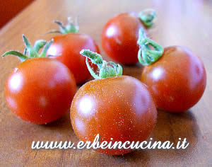 Cherry black tomatoes