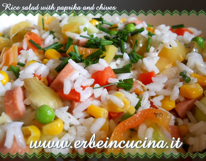 Rice salad with paprika and chives